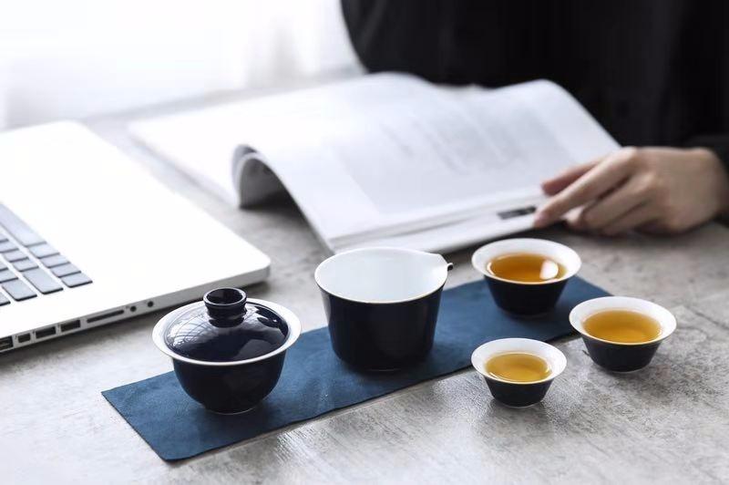 颜色釉旅行茶具套组
